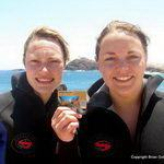Scuba Divers complete PADI Course and get qualification cards